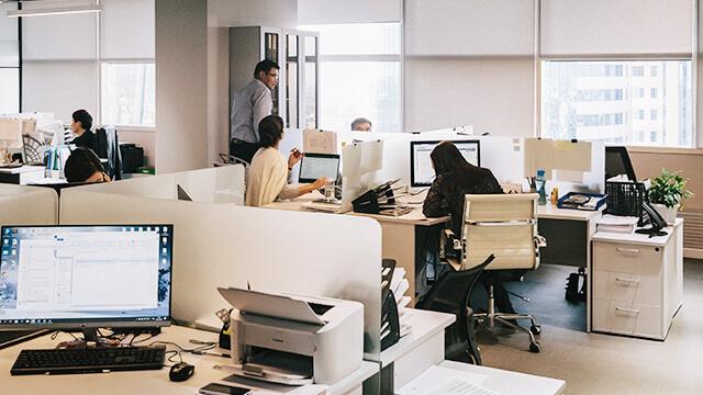 写真:オフィス風景